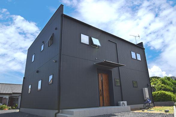 北欧モダンのBOX型住宅