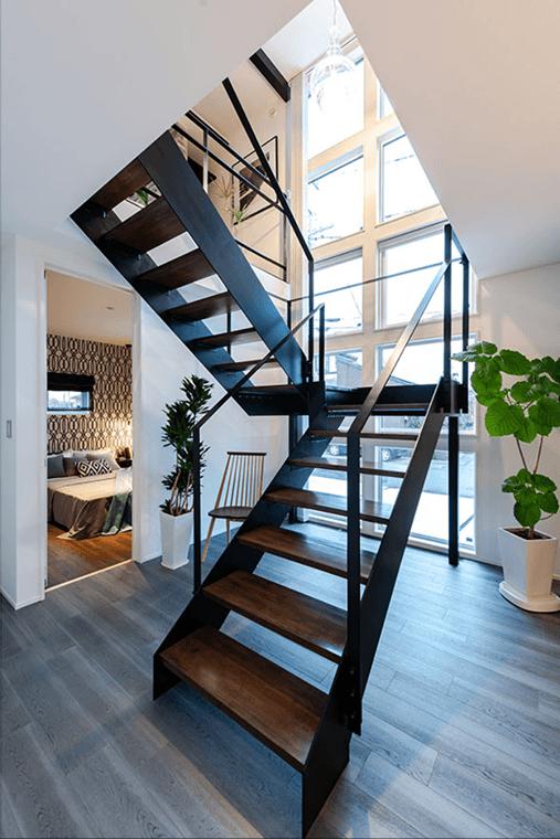 センター階段